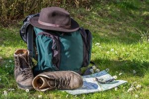 A photo of the things you might need on a day hike checklist